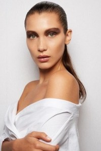 Hadid Dior Makeup slick