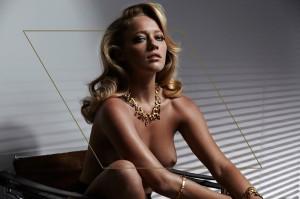 blonde model tan