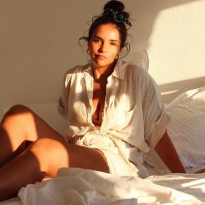 girl bed white light