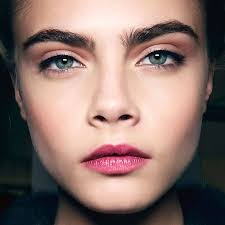 trends thick eyebrows