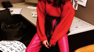 women in power, anna wintour editor in chief, girl at desk, work fashion editorial
