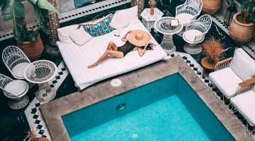 4 Practical Tips To Comfortably Travel The World In Style